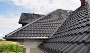 металочерепица защитит дом от насекомых