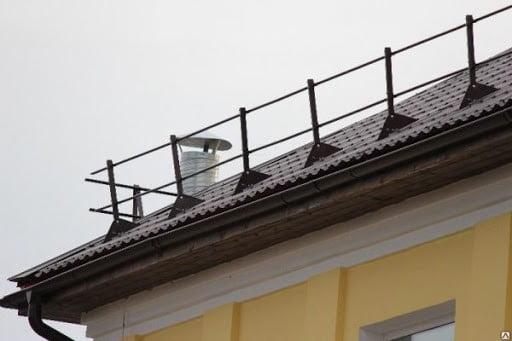 снегозадержатели на крыше