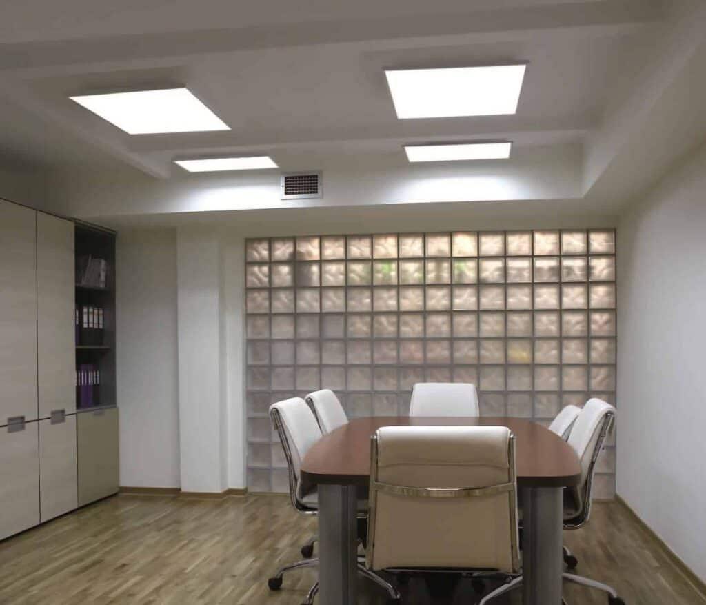 светодиодные-потолочные-панели